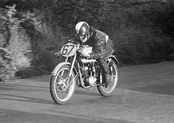 Neville R Jones (BSA) 1953 Ultra Lightweight TT
