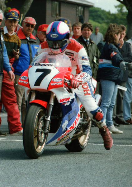 Nick Jefferies (Honda) 1991 Senior TT