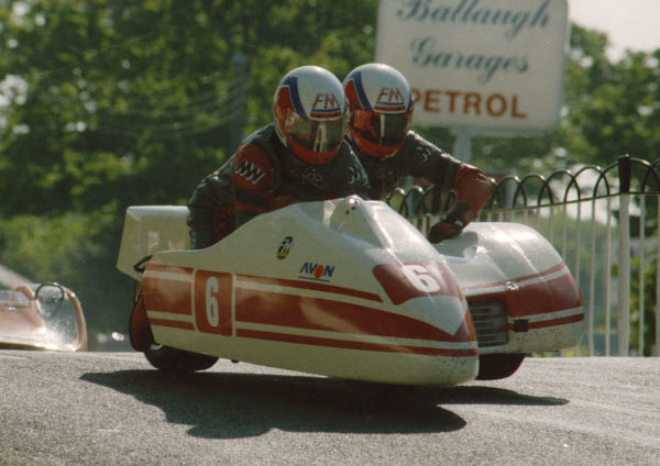 Peter Krukowski & Chris McGahan (Windle) 1991 Sidecar TT