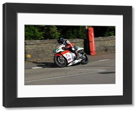 Phil Harvey (Honda) on Quarter Bridge Road: 2009 Lightweight Manx Grand Prix