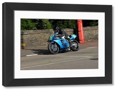 Tony Davies (Yamaha) on Quarter Bridge Road: 2009 Ultra Lightweight Manx Grand Prix