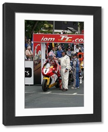 Gary Johnson (Honda) parpares to start the 2009 Senior TT