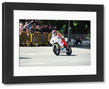 Ian Hutchinson (Padgett Honda) leaves Ballaugh Bridge: 2018 Supersport TT