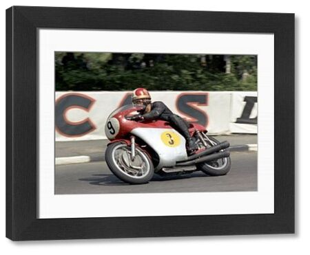One of the TT 'Races of the Century', Ago and Hailwood slugged it out for five pulsating laps until Ago's chain broke. Giacomo Agostini at Quarter Bridge