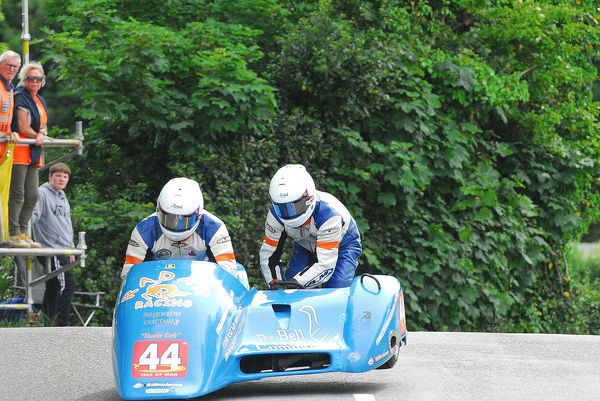 Andy King & Alun Thomas (Lumley/Ireson) on Ballaugh Bridge: 2018 Sidecar TT