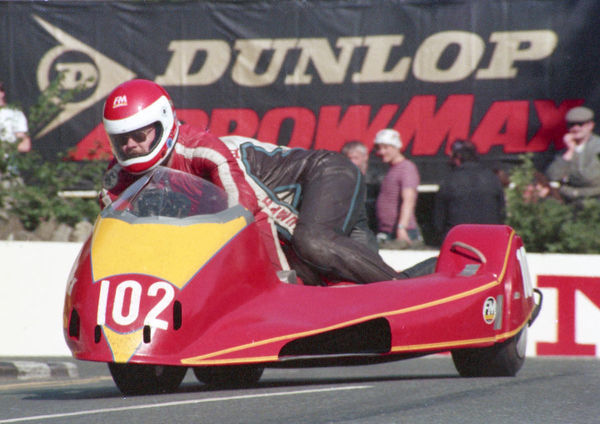 Barry Sloper & Neil Blackburn (Yamaha) 1987 Sidecar TT