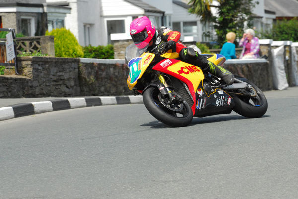 Irish ace Davy Morgan (CMS Kawasaki) 2012 Southern 100