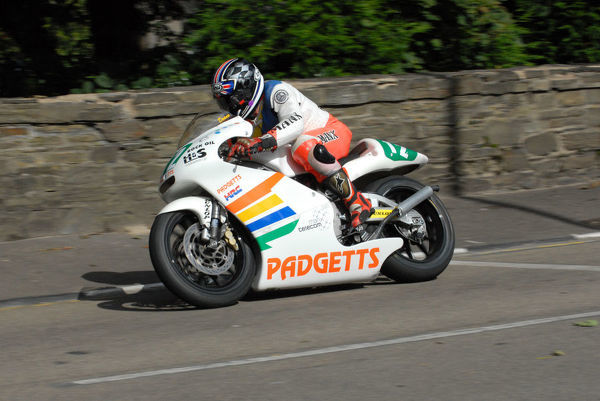 Dean Martin (Honda) on Quarter Bridge Road: 2009 Lightweight Manx Grand Prix