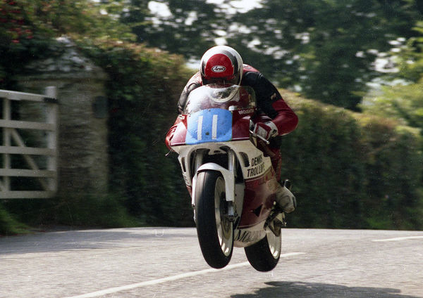 Greg Broughton (Yamaha) 1993 Junior Manx Grand Prix