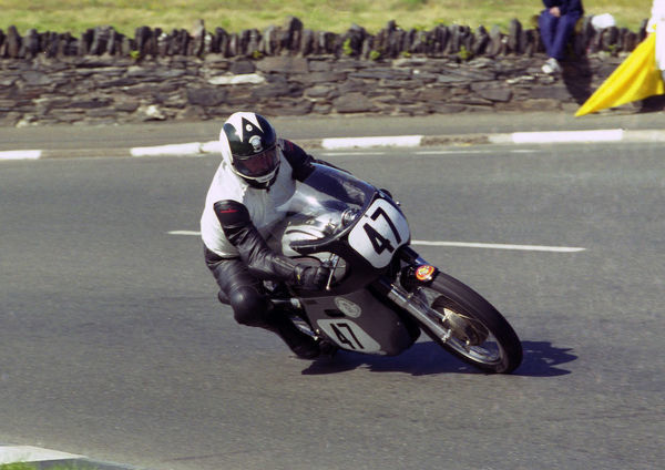 German Hans-Georg Stutz (Norton) at Sulby Bridge: 2000 Junior Classic Manx Grand Prix
