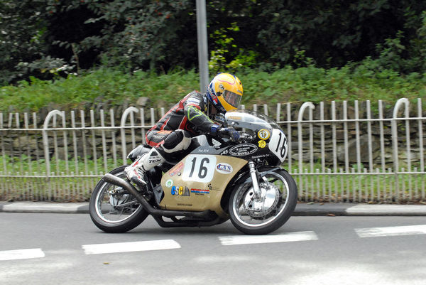 John Burrows (Honda) at Braddan Bridge: 2009 Classic TT