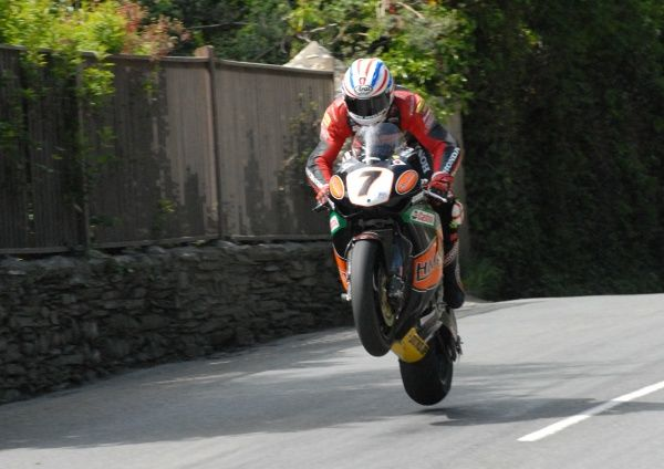 With both John McGuinness and Guy Martins chain snapping, the Honda team were praying that Steve Plater's would last the distance. It did, he won the 2009 Senior TT