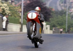 Ago flies Ago's Leap Giacomo Agostini (MV) 1970 Senior TT
