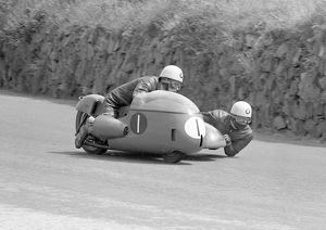 Barry Dungworth / Neil Caddow (BMW) 1967 Sidecar TT