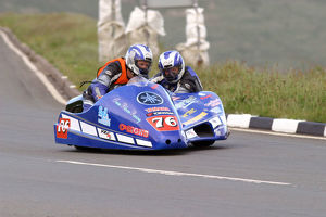 Craig Bloore & Christopher Bloore (Yamaha) 2004 Sidecar TT
