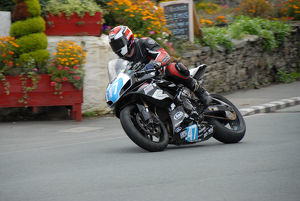 Darwyn Young (Suzuki) 2009 Junior Manx Grand Prix