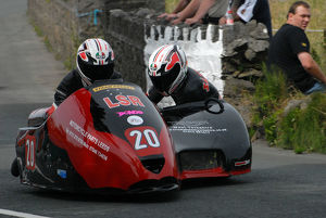 Dean Lindley & Mark Sayers (Bellas Yamaha) 2009 Southern 100