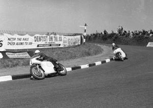Derek Minter (Norton) & Mike Hailwood (AJS) 1961 Junior TT