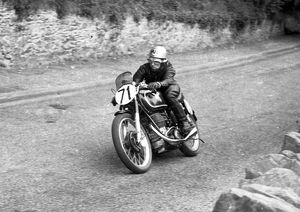 Ernie Ring (Matchless) 1952 Senior TT