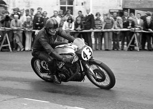 Grant Sellars (Norton) 1975 Senior Manx Grand Prix