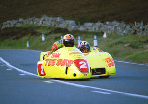 Greg Lambert & Lee Aubrey (Windle Yamaha) 2000 Sidecar TT