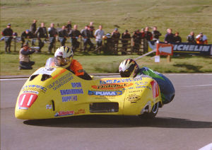 Greg Lambert & Lee Aubrey (Windle Yamaha) 1999 Sidecar TT