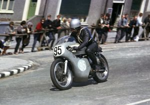 Hans Sommerhalder (Norton) 1965 Junior TT