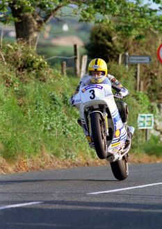 Joey flies Rhencullen: 1990 Formula One TT