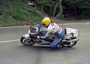 Joey rounds Ramsey Hairpin: 1986 Formula One TT