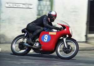 John Jock Findlay (Norton) leaves Ramsey: 1969 Junior TT