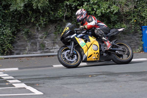 John Hulley (Yamaha) 2009 Senior Manx Grand Prix
