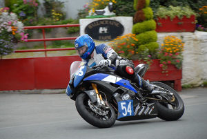 Marie Hodgson (Yamaha) 2009 Junior Manx Grand Prix