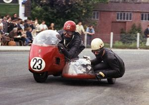 Maurice Tombs & Trevor Tombs (Triumph) 1965 Sidecar TT