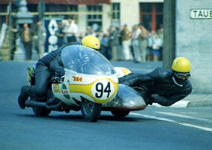 Mick Whitton & Nick Haslam (Rumble BSA) 1970 750cc Sidecar TT