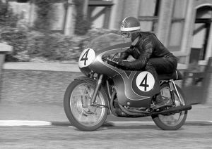 Mike Hailwood (Ducati) 1959 Ultra Lightweight TT