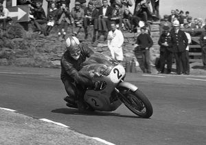 Mike Hailwood (Honda) 1966 Senior TT