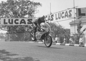 Mike Hailwood (Honda) 1967 Junior TT