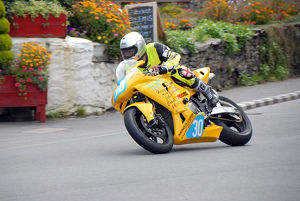 Neil Vicars (Honda) 2009 Junior Manx Grand Prix