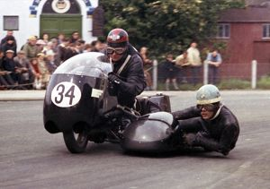 Norman Huntingford & Ray Lindsay (Matchless) 1965 Sidecar TT