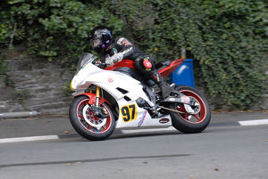 Paul Welch (Yamaha) 2009 Senior Manx Grand Prix