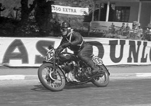 Peter Peters (Vincent) 1953 1000cc Clubman TT