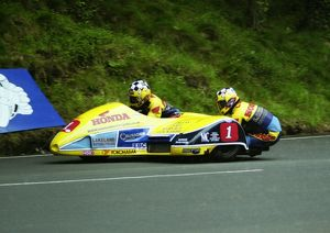 Rob Fisher & Rick Long at Ramsey Hairpin, 2000 Sidecar B TT