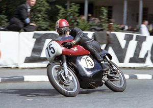 Stephen Ellis (Matchless) 1966 Senior TT