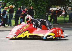 Steven Coombes & Gary Partridge (Ireson Kawasaki) 2004 Sidecar T