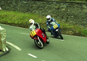 Tim Antill (Norton) and Andy Reynolds (Seeley Matchless) 2000 Senior Classic Manx