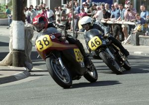 Trevor Beharrell (Matchless) & Wally Dawson (Norton) 1993 Senior